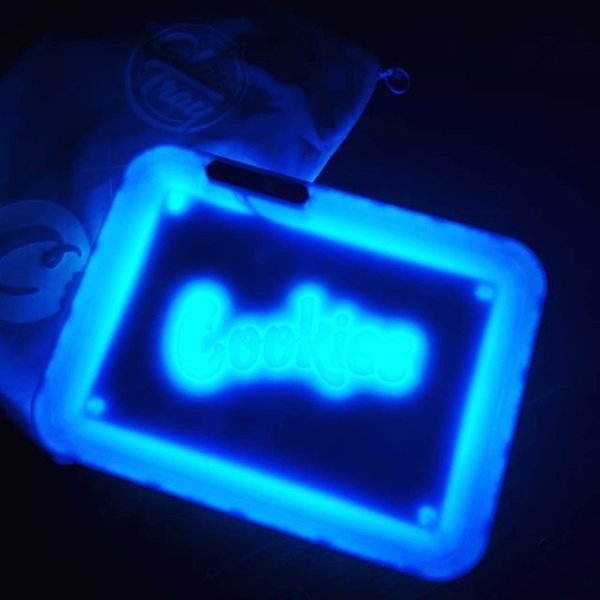 top popular Blue Cookies Portable Tobacco Box Tray Smoking Accessories Illuminated Square LED Tobacco Rolling Tray with Boyfriend Portable Gift 2021