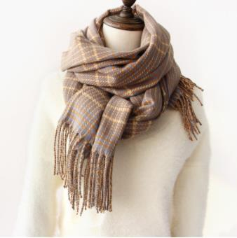 Plaid Knitted Scarf in Winter with Tassel Shawl for Japanese Students Long Style Warm Neck for Men and Women Double Use Korean Version