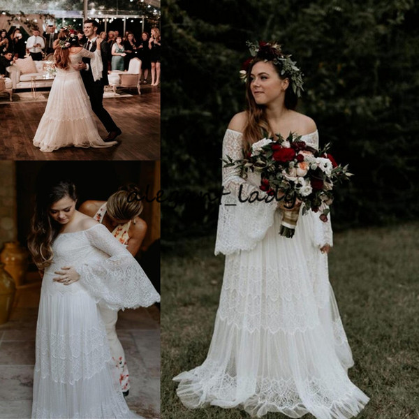 Plus Size Bohemian Wedding Dresses with Bell Long Sleeve 2019 Vintage Crochet Lace Flowy Skirt Beach Country Bridal Wedding Gown