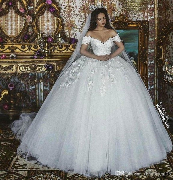 2019 New Sexy Puffy Ball Gown Wedding Dresses Off Shoulder Cap Sleeves Lace 3D Floral Appliques Floor Length Plus Size Formal Bridal Gowns