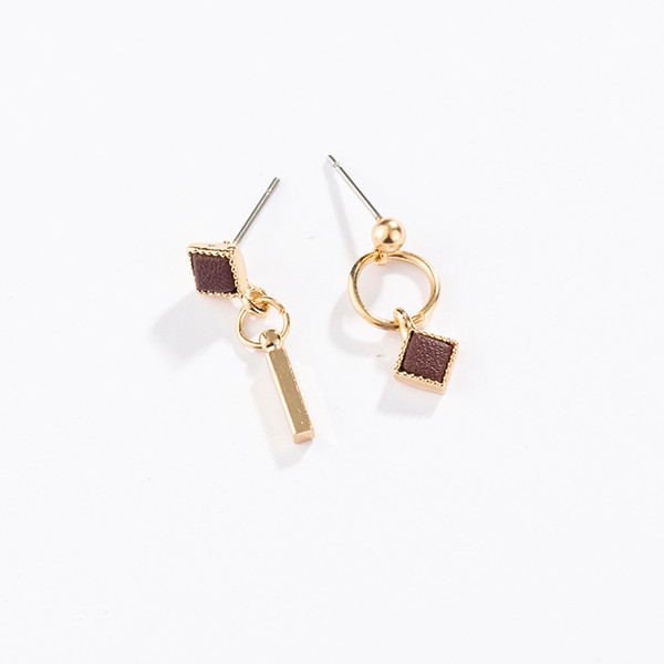 Maxi Square fashion temperament niche earrings simple small earrings simple style suitable for a variety of clothing in office and party