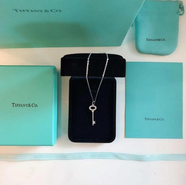 luxury designer jewelry women Letter Necklaces for Women silver Fashion Hollow Titanium Steel Pendant Couple