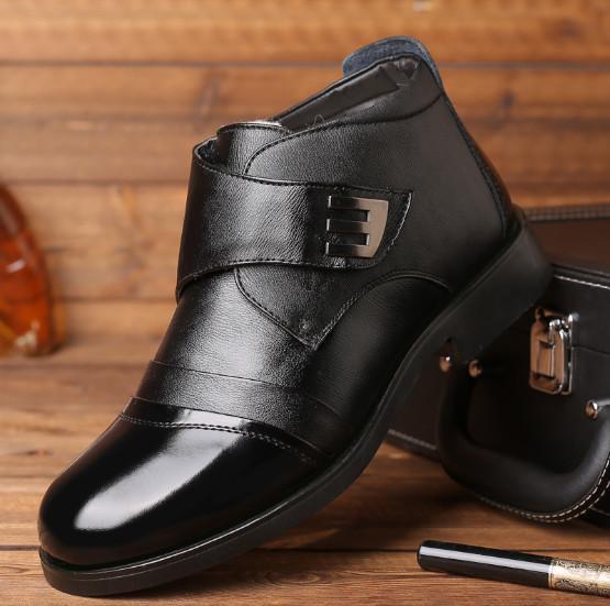 Tassa di spedizione gratuita Scarpe alte per l'inverno più scarpe casual da lavoro in pelle di cotone di velluto di colore nero e marrone