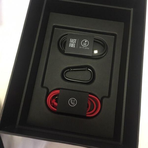 Regalo de navidad W1 Chip Stu 3.0 Auriculares inalámbricos Bluetooth 3.0 Auriculares con caja de venta al por menor Sellado Pop up Windows Músico Auriculares