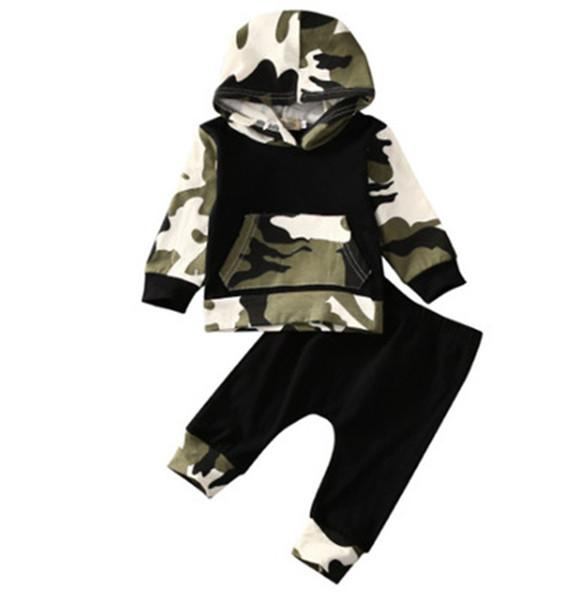 2pcs recém-nascido Roupa do bebé camuflagem do exército com capuz + Sólidos Calças pretas Calças ternos para Crianças roupa da criança Outfits Set