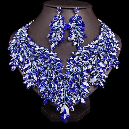 الأزرق في الفضة