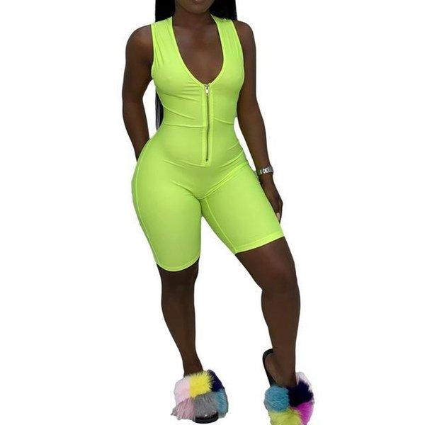 traje corto verde