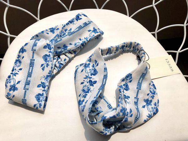 2019 Nouvelle Bandeau Turban En Soie Bandanas Italie Marque Conception De Fleur Élastiques Bandes De Cheveux Foulard Head Pour Femmes Fille Rétro Turban Headwraps Cadeaux