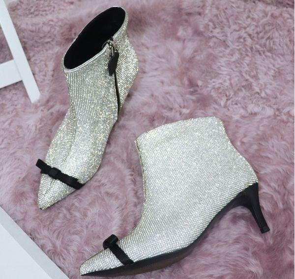 Sıcak Sale-2018 Yeni Moda Femal Sivri Burun Stiletto Yüksek Topuklu Seksi Topuklu Femal Sivri Burun Sıcak Ayakkabı Ücretsiz Kargo