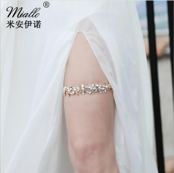 White Ivory 2019 Cheap Sexy with Crystal Beads Wedding Leg Garters Bridal Accessories Stunning Garters New Lace Bridal Garters