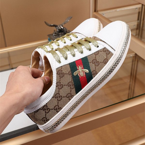 2019 Luxury Embroidery Small Bee Snake Casual Flat Shoes White Black Low Cut Men Women Loafers Sneakers Fashion Designer Shoes