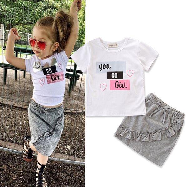 Bebek Kız Etek Elbise Bebek Kız Mektuplar Aşk T-Shirt Yürüyor Kızlar Çocuk Eğlence Kıyafetler Giyim Elbise Tops Elastik Fırfır Papyon Etek