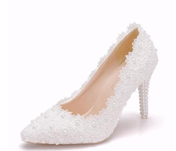 2019 chaussures de mariage en dentelle blanche de dentelle blanche pour la  mariée 9 b53d7b0560c
