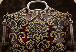 2019 free shipping European and American brand new embossed fashion hand-held leather vintage handbag shopping bag
