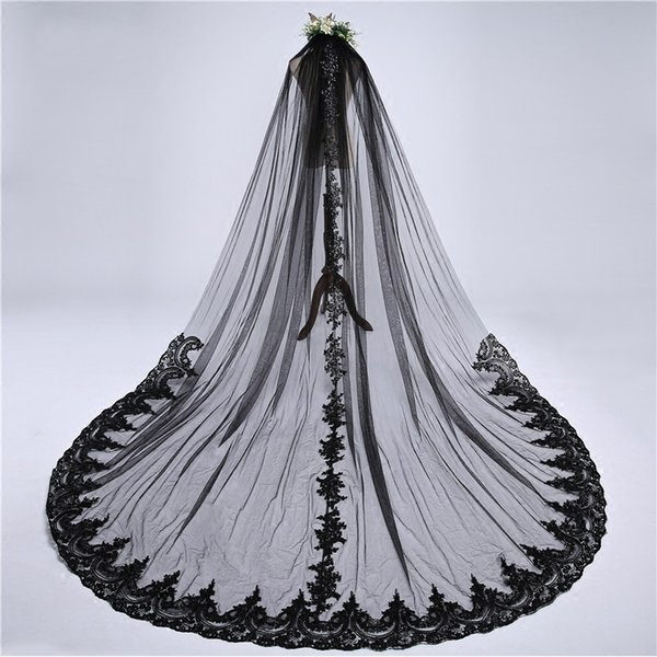Sexy 2019 Black Applique Lace 3 Meters Wedding Veils For Bride Cheap White Ivory With Comb Long Bridal Veil Country Wedding dress