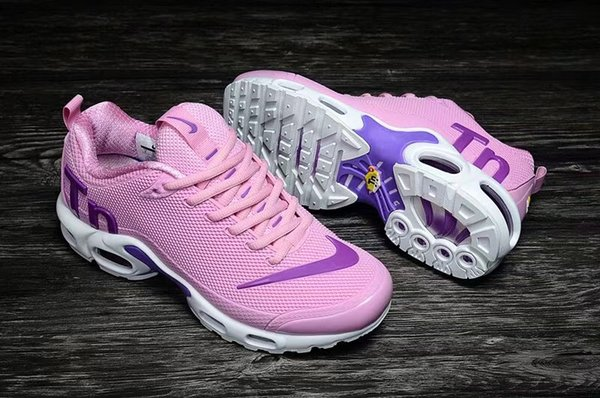 [Spor İzle ile] 2019 Designer shoes men women Nike AIR MAX TN Mercurial Air Plus erkek koşu ayakkabıları için KPU spor ayakkabı taban sneaker boyutu 36 37 38 39 40 41 42 43 44 45