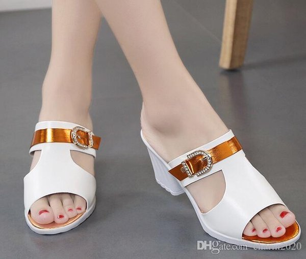 Pop 2019 New Slope With The Ladies Sandals Summer Korean Version Of The Comfortable Fit Wild Diamond Rough With High-heeled High Heels