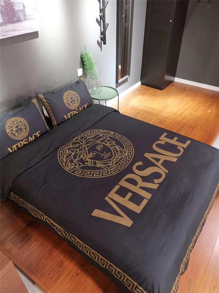 Traje de cama de rejilla de rayas negras Mezcla de algodón Funda de cama de alta calidad de Europa y América Cubierta de la hoja del logotipo de moda