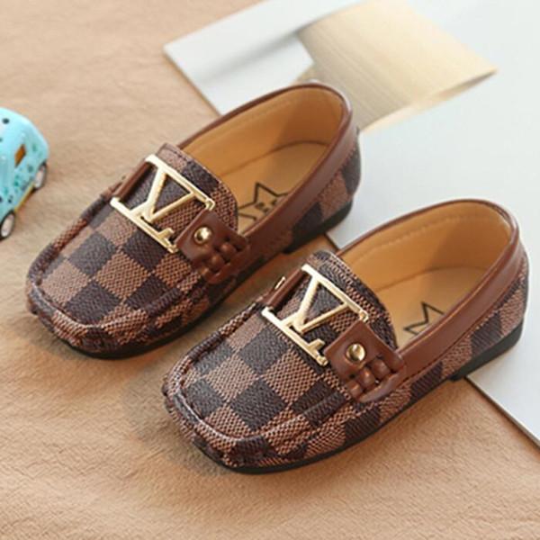 Venda quente de Moda Infantil Sapatos Casuais Crianças Ervilhas sapatos Novo Menino Pequeno PU Britânico Vento couro Criança mocassins fundo Macio branco da criança