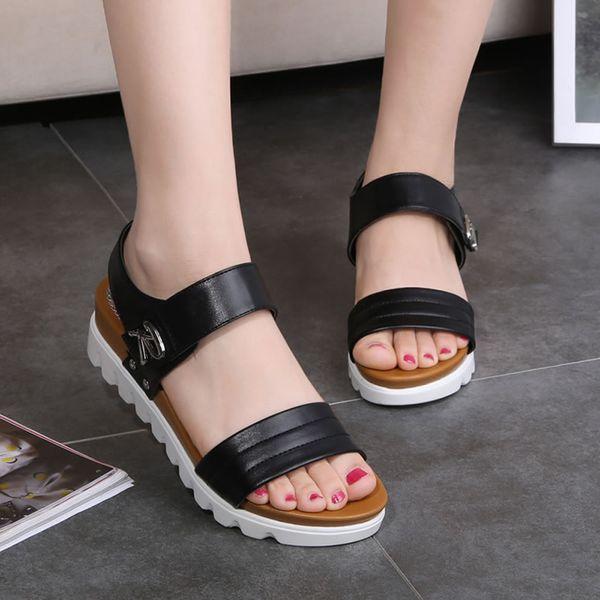 Sandales D'été Femmes Âgées À La Mode En Cuir PU Sandales En Cuir Confortable Dames Chaussures À Bout Ouvert Med Talon Chaussures Pour Femme Plat 35-40