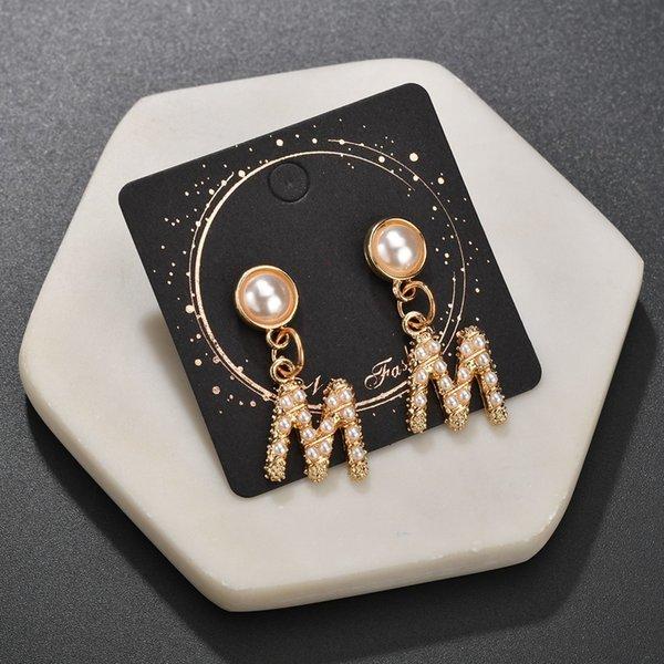 Pearl Letter M Big Anhänger Ohrringe Gold Damen Ohrringe Charm Temperament Sexy OL Style Exquisite Sommer Kleidung Zubehör