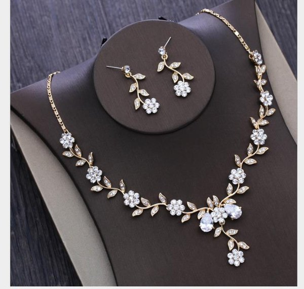 2019 Little Flower Necklace Bride S Marriage Jewelry Wedding