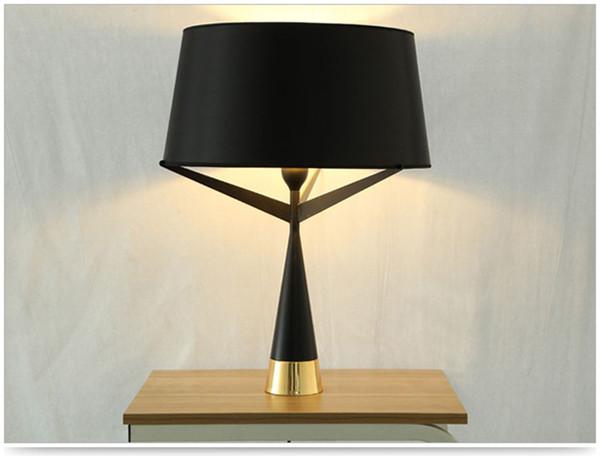 Acquista Moderno Axis S71 Nero Lampada Da Tavolo Camera Da Letto Designer  Lampada Da Tavolo Da Ufficio Retro La Casa Camera Da Letto Night Art ...