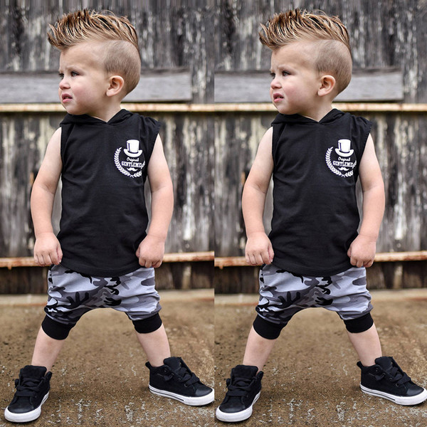 Yürüyor Çocuk Giyim Seti Erkek Bebek Kıyafetleri Mektup Baskı Kapüşonlu Yelek Üstleri + Kamuflaj Pantolon Set ropa recien nacido kostüm
