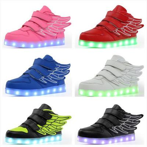 Großhandel Kreative Kinder Schuhe Led Lichter Flügel Schuhe USB Lade Leuchten Mädchen Jungen 7 Farben Ändern Blinkende Lichter Turnschuhe Lässig