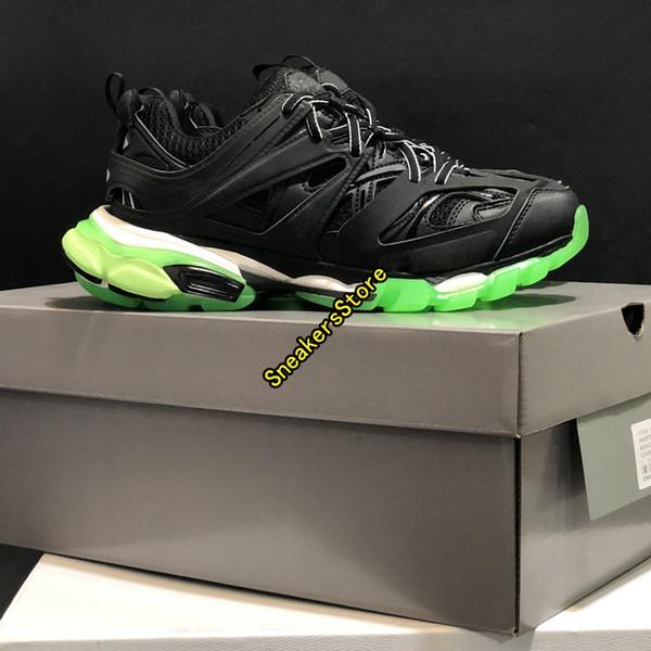 # 8 أسود أخضر