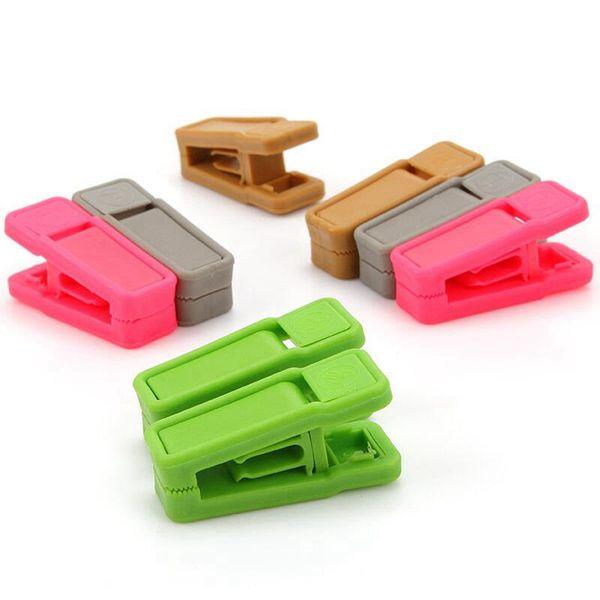 Resuable Tie Clip universel humide et sécher les vêtements Cintres facile à utiliser en plastique ABS Clothespin No Trace RRA2331