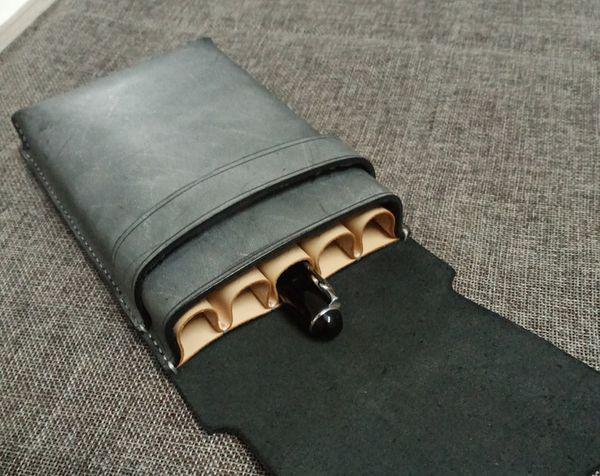 Großhandel Kostenloser Versand Neue Designer Handarbeit Nähen Stift Fall Aus Echtem Leder Bleistift Set Stiftabdeckung Benutzerdefinierte