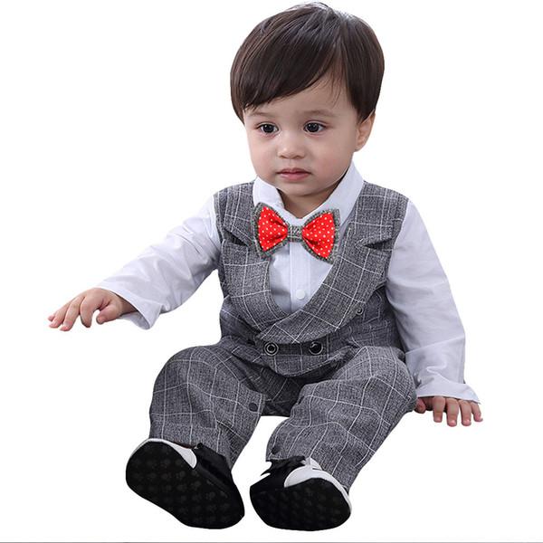 Kış Bebek Erkek Bebek Erkek Bebek Papyon Gentleman Yelek T-Shirt Pantolon Düğün Suit Kumaş Setleri
