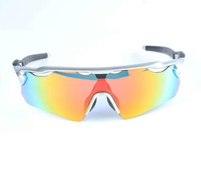 Moda occhiali da sole biciclette Uomini Donne Designer Strada Sport Ciclismo Occhiali da sole bici Eyewear con il caso in Vendita