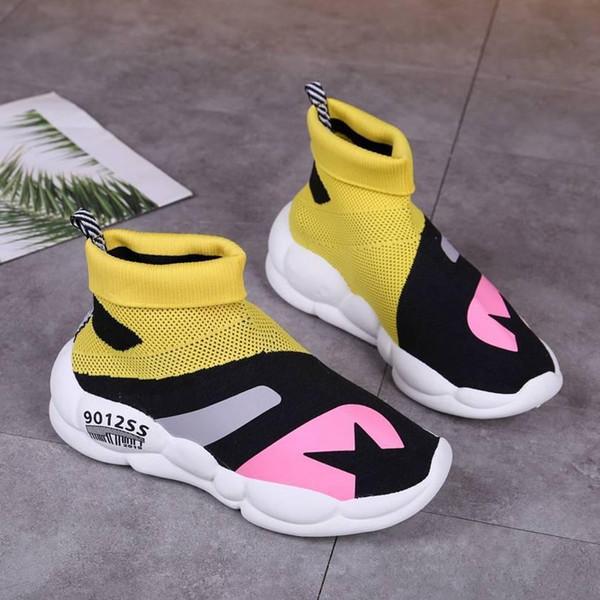 Venta-Bien caliente 2019 calcetín que hace punto Botas Primavera Otoño Negro zapatos de las mujeres de lujo del envío libre para las señoras de punta estrecha Cartas botas de diseño
