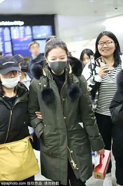 Kürk büyük beden kadınlar giyim ile ceket Popülarite Kanada moda Hairball Dekorasyon marka palto Orta boy kadın kışlık mont