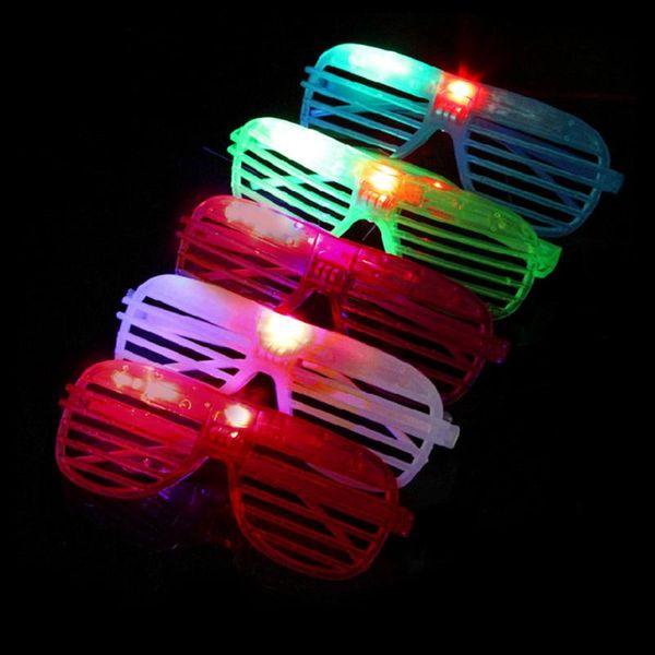 Светодиодные очки мигающий Шторки Форма очки светодиодной вспышкой очки солнцезащитные очки танцы для вечеринок Фестиваль украшения