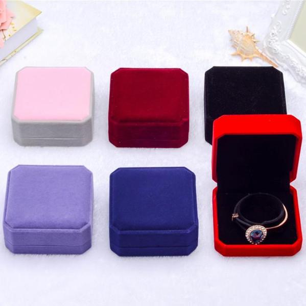 Boyutu 90 * 90 * 40mm kadife takı kutusu bilezik bileklik kutusu hediye kutusu yüksek kalite takı ambalaj ekran depolama