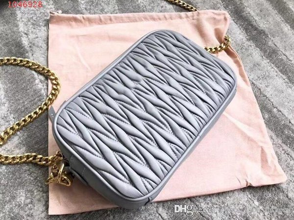 2019 La última moda de bolsos clásicos, bandolera de bandolera de un solo hombro de cuero puro, tamaño 20-5.5-13 cm