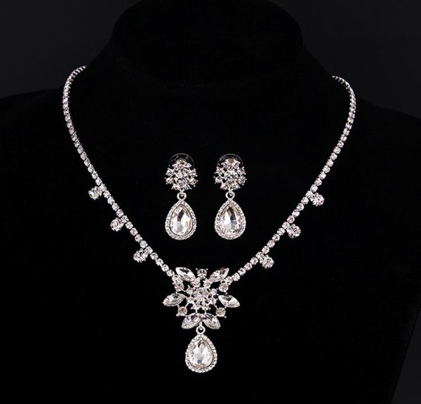 European and American fashion bride jewelry two sets of high-grade diamond flower personality Necklace wedding Earrings Wedding Jewelry