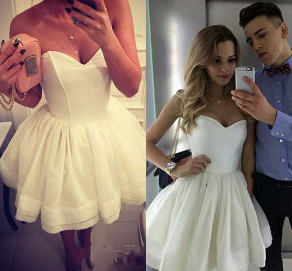 Simple Design Homecoming Dress Special Occasion Dresses A-line White Sweetheart-neck Cute Short Short Mini Off-Shoulder Tiered