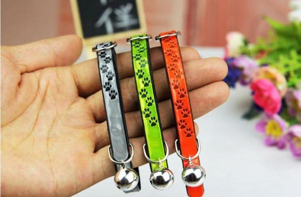 3 Colos Reflective Abdrücke Katzenhalsband mit Glocke PU-Leder-elastische Halsbänder für Katzen kleine Hunde Einstellbare SN1145
