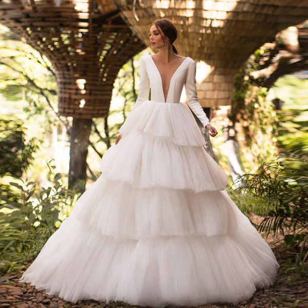 Modern Layered Ball Gown Wedding Dresses Illusion Back Long Sleeve Tiered Skirt Garden Bridal Dress Custom Made Tulle Robes De Mariee Champagne