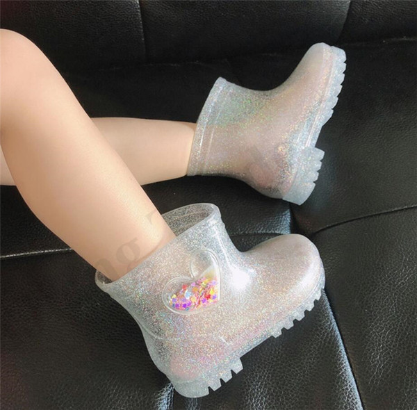 Filles LED Bottes de pluie courtes enfants Bottes de pluie Chaussures bébé Princesse Gelée Bottes de pluie rainning transparente imperméable en forme de coeur Chaussures A110705