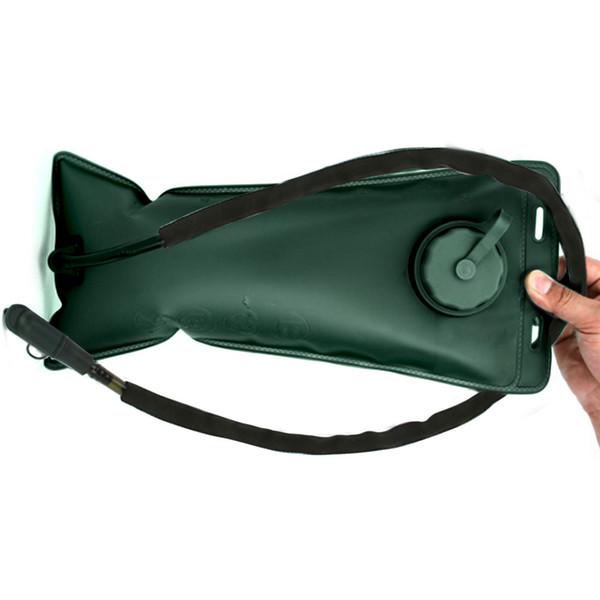 Mochila acuosa de gadget de 2.5L Hervidor de agua TPC Verde del ejército Senderismo Bolsa de agua Regadera Regalo duradero Práctico montañismo