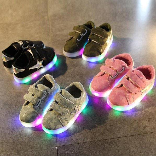 NEW Fashion Детская Светящаяся Обувь Звезды Печати Девушки Плоские Туфли Светящиеся Нескользящие Износостойкие Детская Обувь Лучшее качество 118