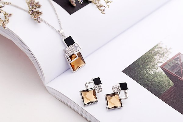 Fashion Brand Square Geometry Jewelry Sets Pandent Collana Orecchini Crystal Magic Space Jewelry Set per le donne