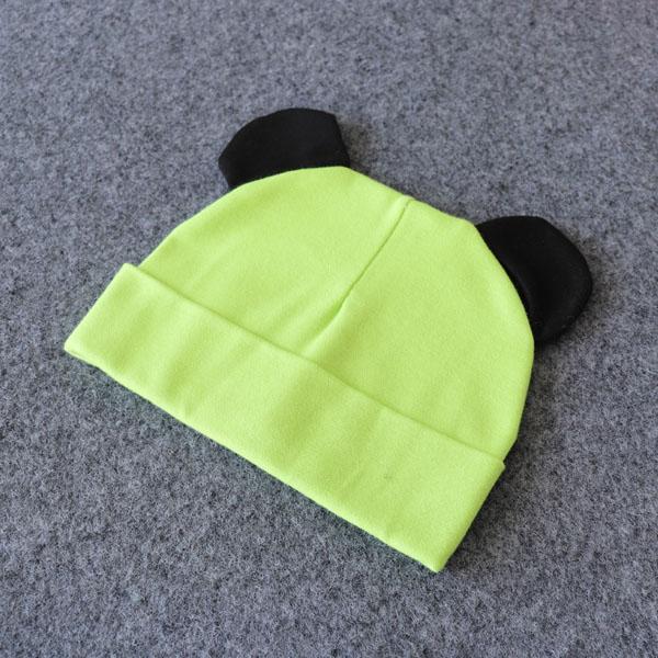 oreille noir vert