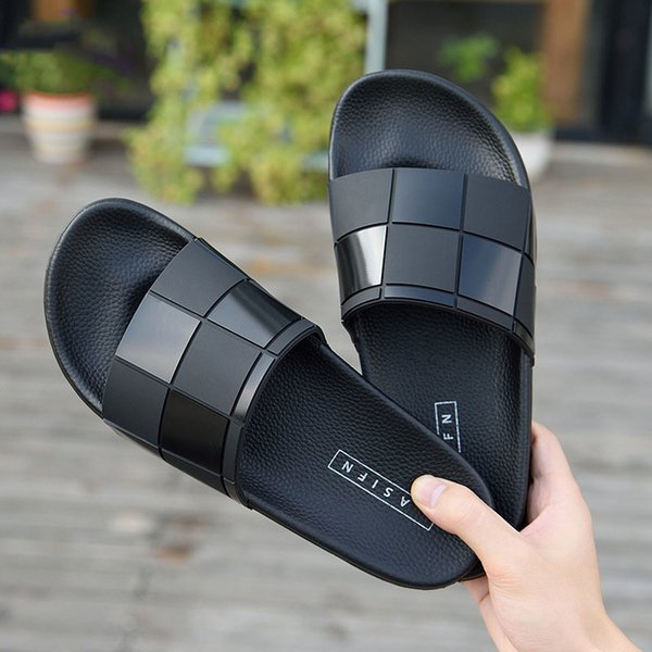 top popular Shoes Men Slippers Chaussure Pantuflas Home Indoor Hotel Slippers Man Slides House Home Slipper Summer Shoes Chassure Homme Y200107 2020