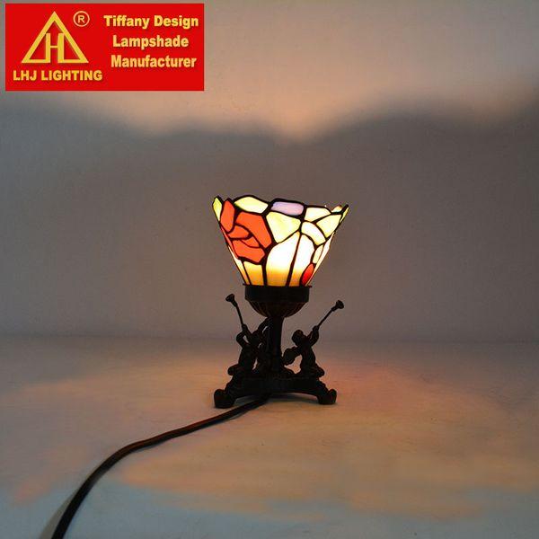 Tiffany renkli çiçeklerin masa lambalı THD Aydınlatma Tiffany vitray masa lambası